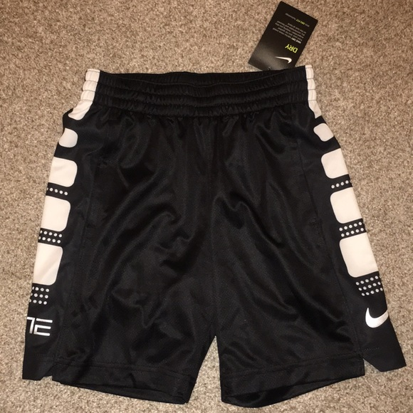 sports shoes fcc1f 2ca6e Boys Nike elite shorts